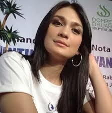 Video Luna Maya Bintang Porno Tercantik