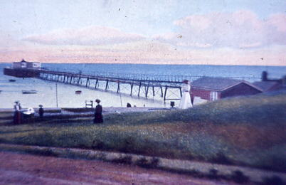 Colour tint of Lee Pier 1917