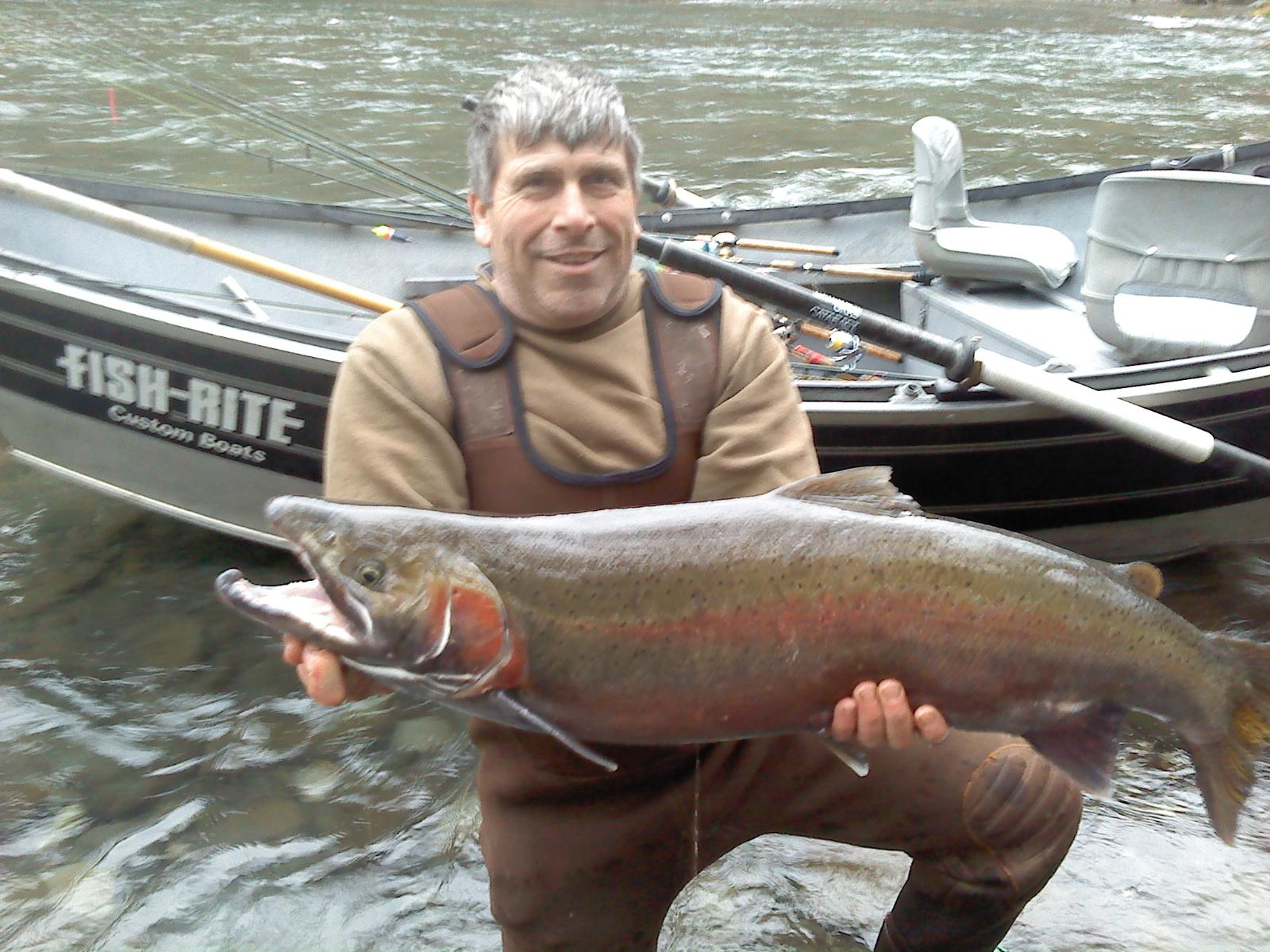 Forks fishing guide jason ray big steelhead on the sol for Sol duc river fishing