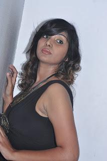 mithuna at kadhal pisase audio launch Pictures (13).jpg
