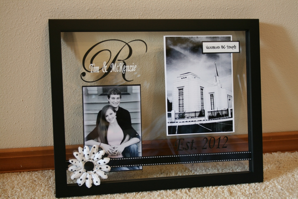 Wedding Gifts Picture Frames : Floating Frame Wedding Gift Idea
