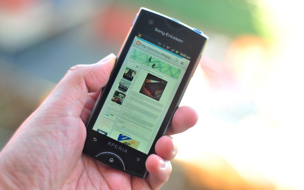 http://2.bp.blogspot.com/-5CERmodKcYo/Tpi7QI217fI/AAAAAAAAJCQ/uhYlQz9zm5k/s1600/Sony%252BEricsson%252BXPERIA%252BRay%252Bsmartphone.jpg