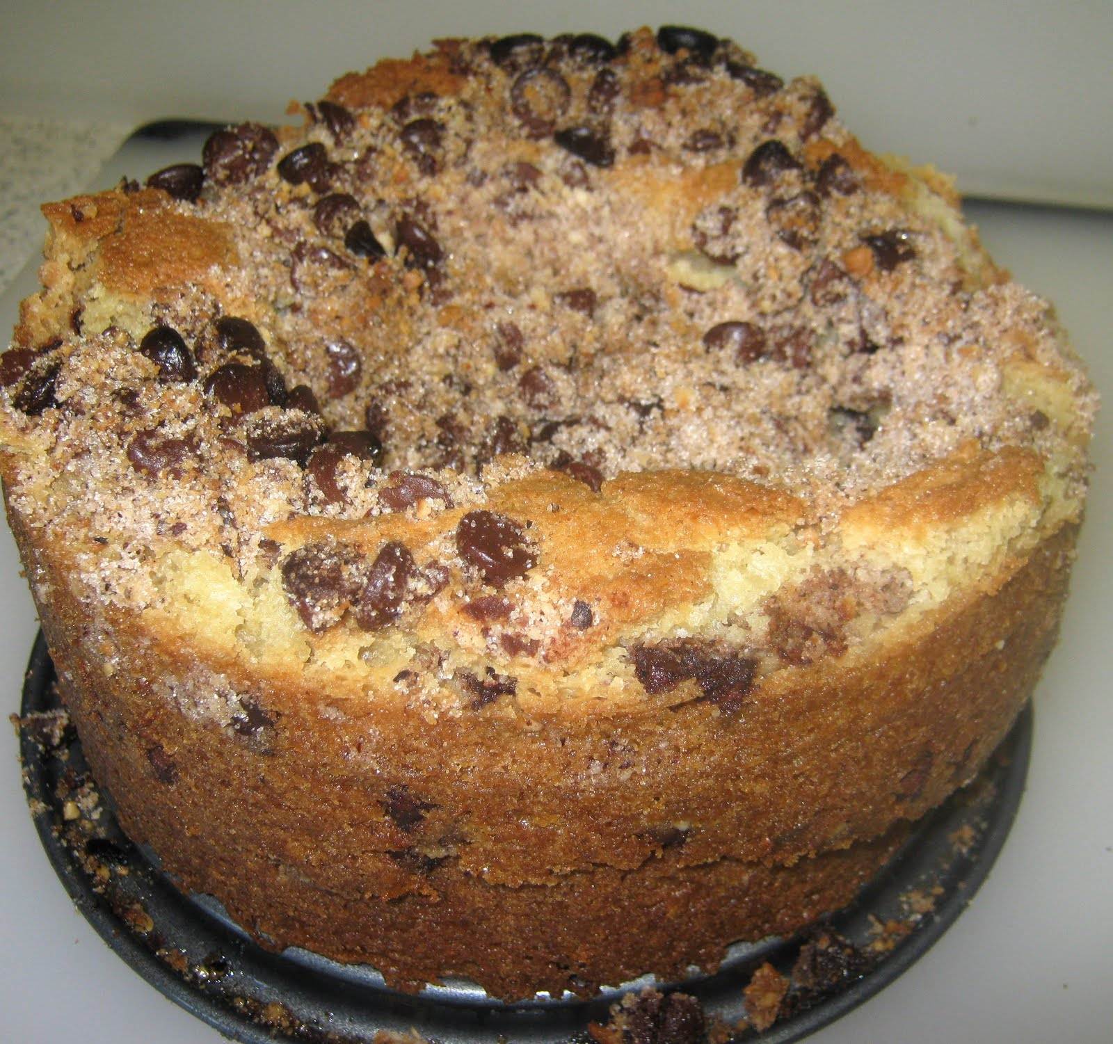 BIZZY BAKES: Cinnamon Chocolate Chip Coffee Cake
