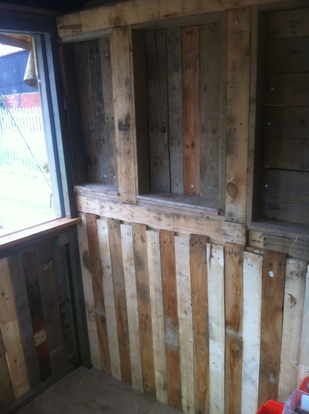 how to build a shed floor with pallets