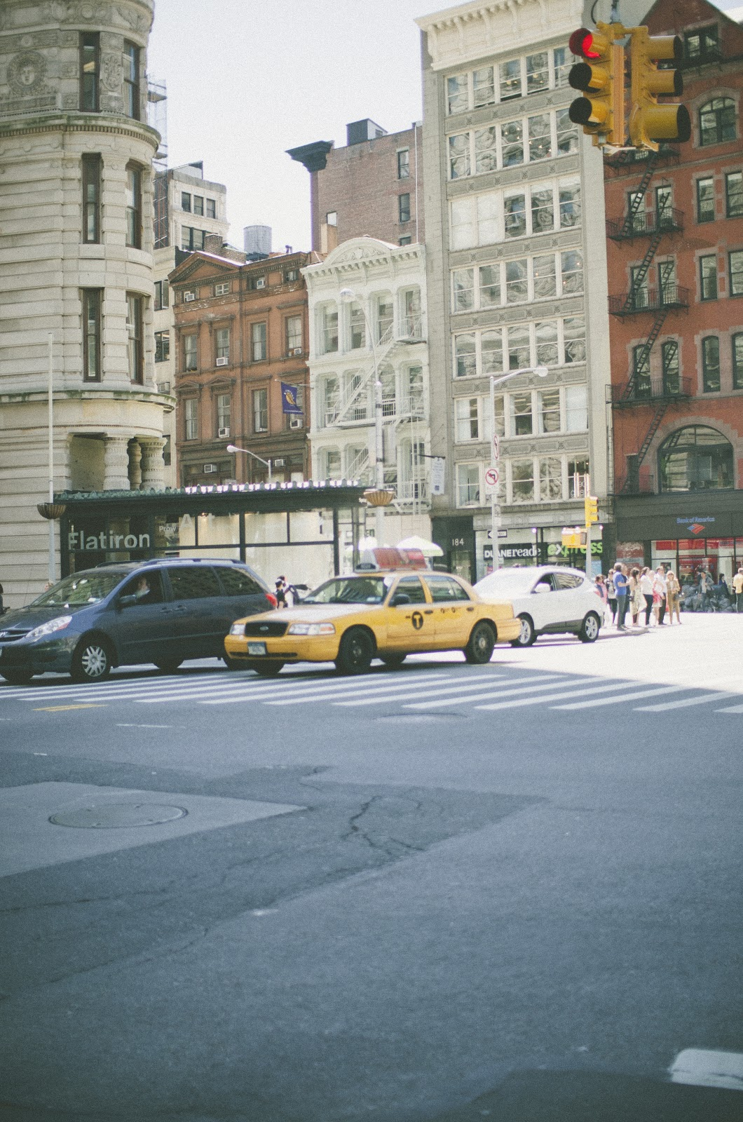 new york city, yellow taxi, flatiron,