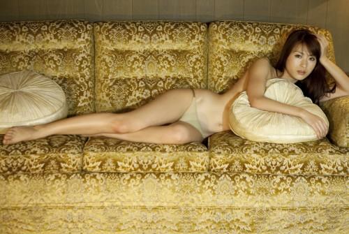 Model Saki Yamaguchi in lingerie
