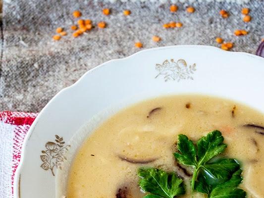 Чечевичный суп-пюре с корнем сельдерея