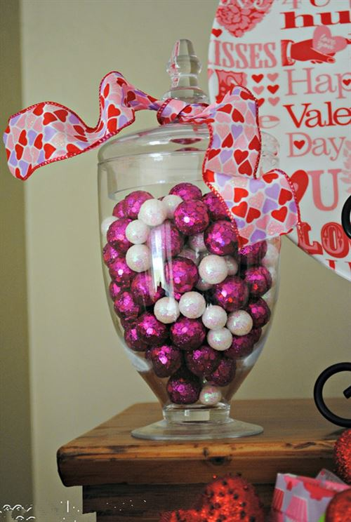 Romantic Valentine's Day Decorations Wholesale