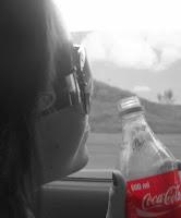 Meninas com coca-cola