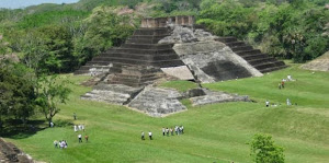 ¡¡Conoce Tabasco!!: Zona Arqueológica Comalcalco