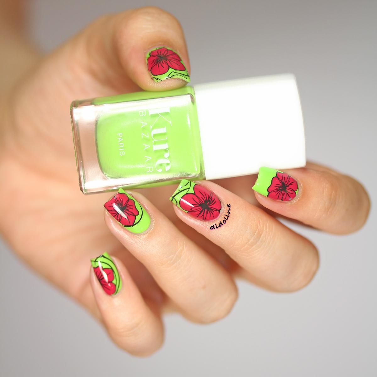 Nail Art Fleuri - Stamping Inversé - Reverse Stamping - Kure Bazaar - Carioca - Pueen