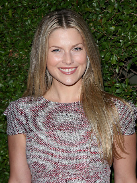 Ali Larter Poses At Beauty Culture Event 2011-3