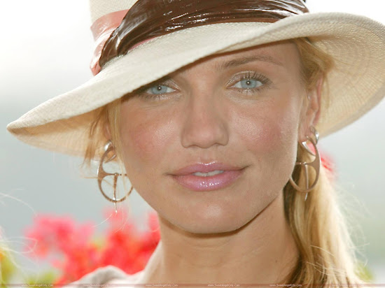 Cameron Diaz in hat