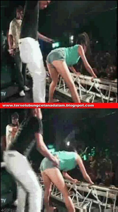 Dangdut Bugil porno aksi dangdut 2012 - berita heboh aneh dan konyol