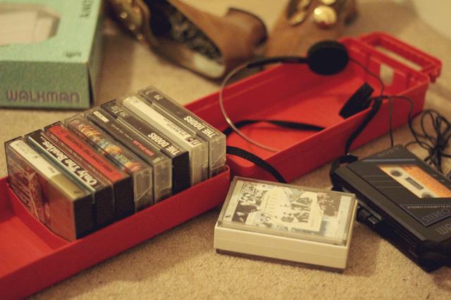 Sony Walkman WM-25, Cassettes Monkees, Ringo Starr, Roger Taylor, The Doors, The Beatles