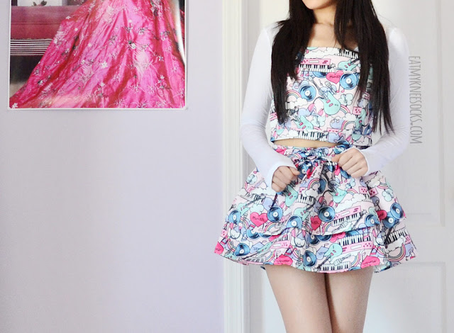 More photos of this cute, bubbly, Japanese-style outfit, featuring Romwe's pop art/graffiti 2-piece crop top and skirt set, with a white long sleeve T-shirt layered underneath.