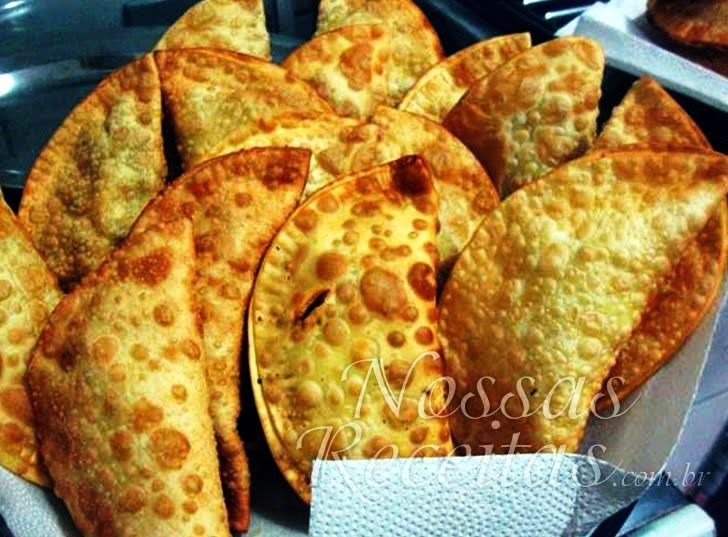 Receita de pastel frito de feira