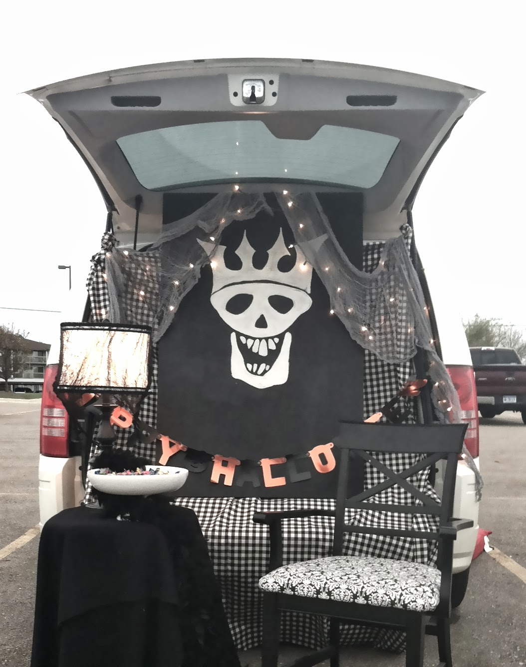 show me your trunkhalloween trunk or treat ideas