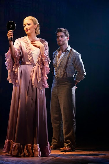 Evita and Che (Photo: Richard Termine)