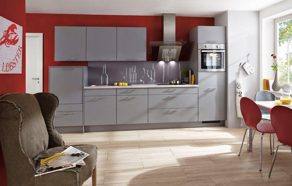 de cocina pequeña pero sofisticada con gabinetes en gris claro y
