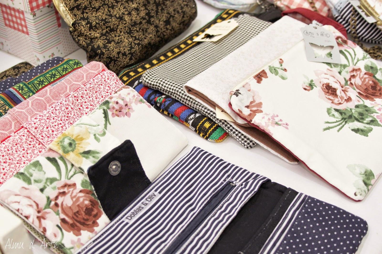 Billetera y bolsos artesanales paramujer