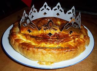 http://www.petitesastucesentrefilles.com/2013/01/galette-des-rois-maison-la-recette-en.html