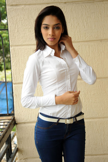 vhb65ap0tulfzwh68j Telugu Actress Rithika Photo Gallery