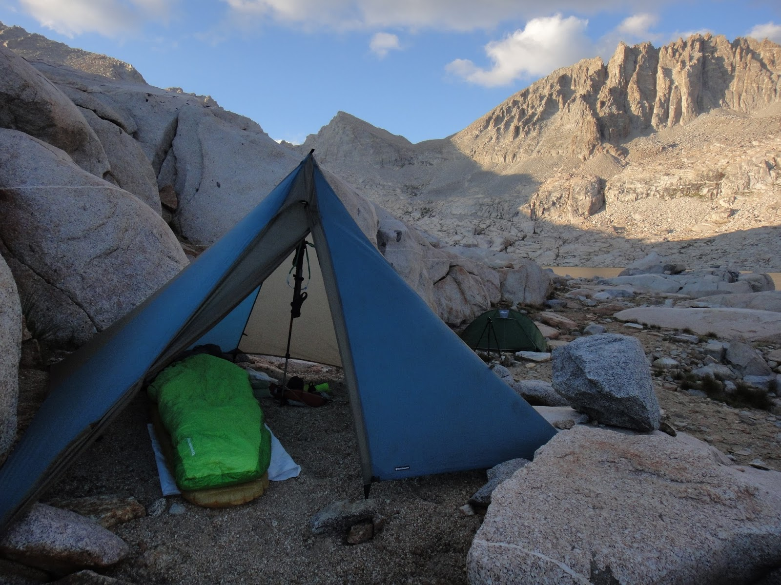 The Black Diamond Mega Light in the High Sierra. This four person shelter weighs 2lbs 5oz (1005g) and is a palace for one person. Photo by Jessica Haist. & American Alpine Institute - Climbing Blog: Look Ma No Floor