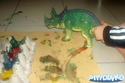 http://pipidinko.blogspot.ca/2013/01/race-car-painting-dinosaur-footprinting.html#.Uwqp74VfT5w