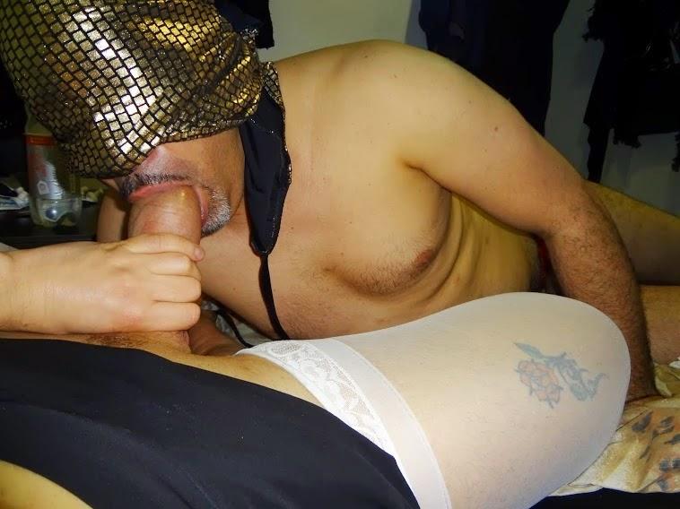 Fotos CASEIRAS Do meu CACETE  gozando...e,sendo chupado por CLIENTES
