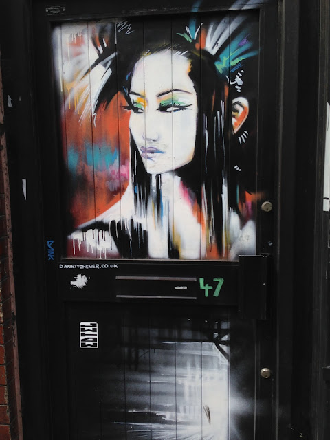street art, Asian girl