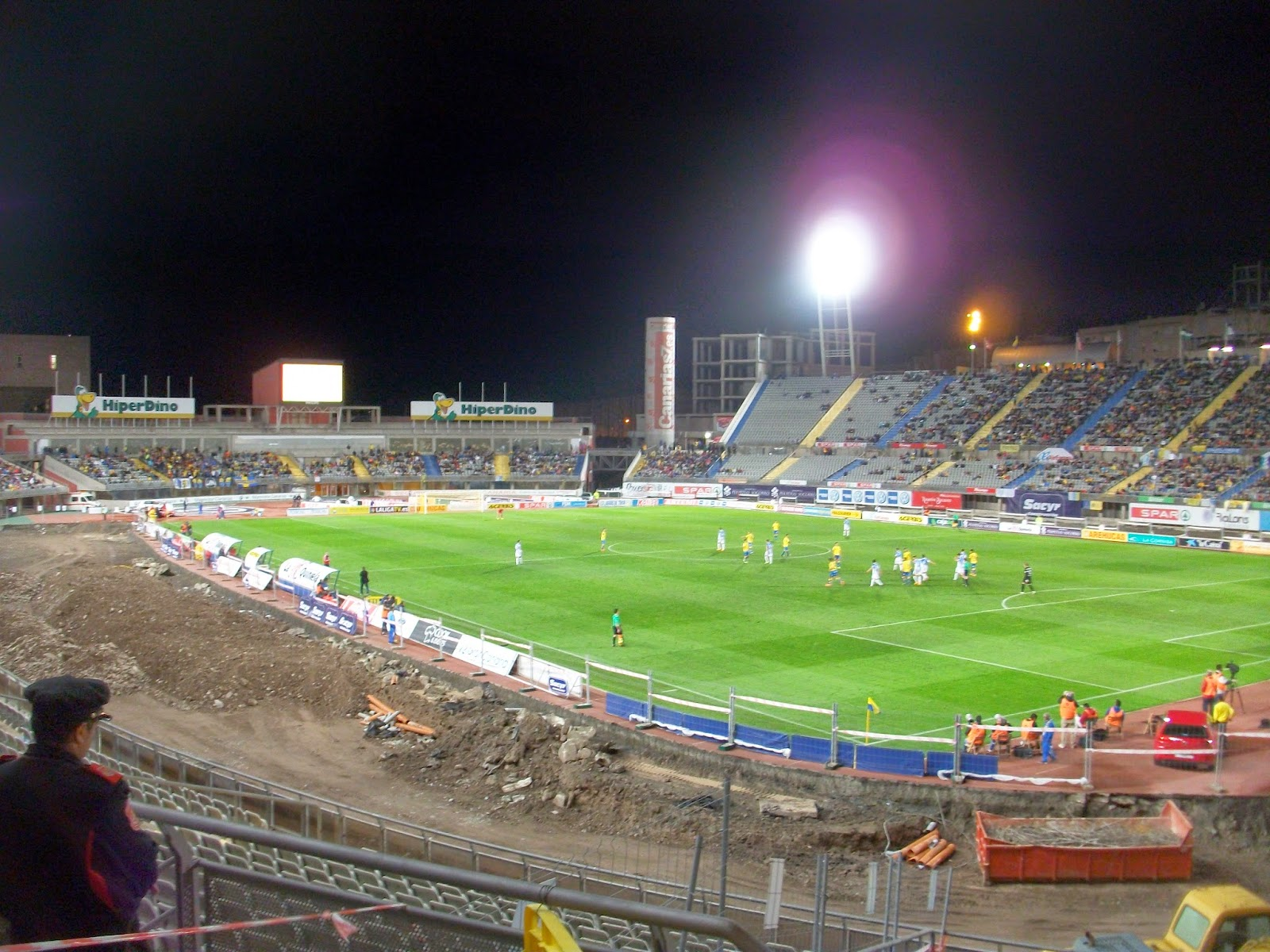 Obras para eliminar las pistas de atletismo en el Estadio