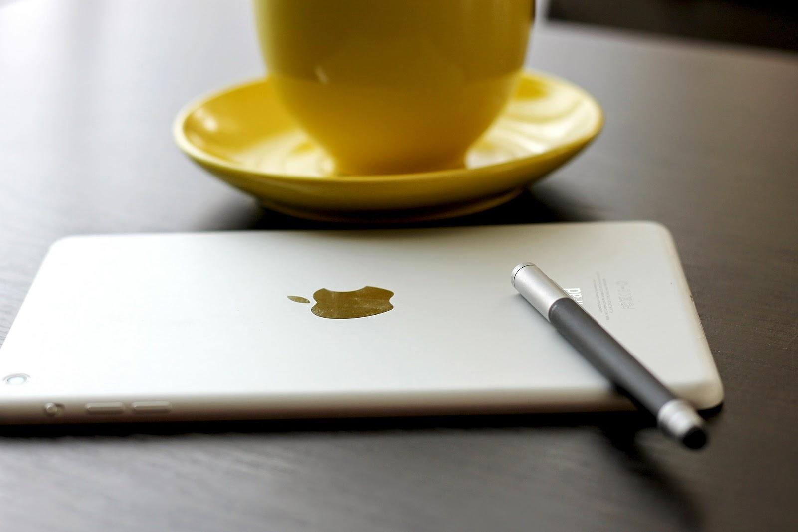 kultúra, íráskultúra, toll, ceruza, billentyűzet, táblagép, iPad, Apple
