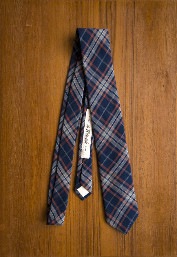 The Hill-Side Pointed Tie