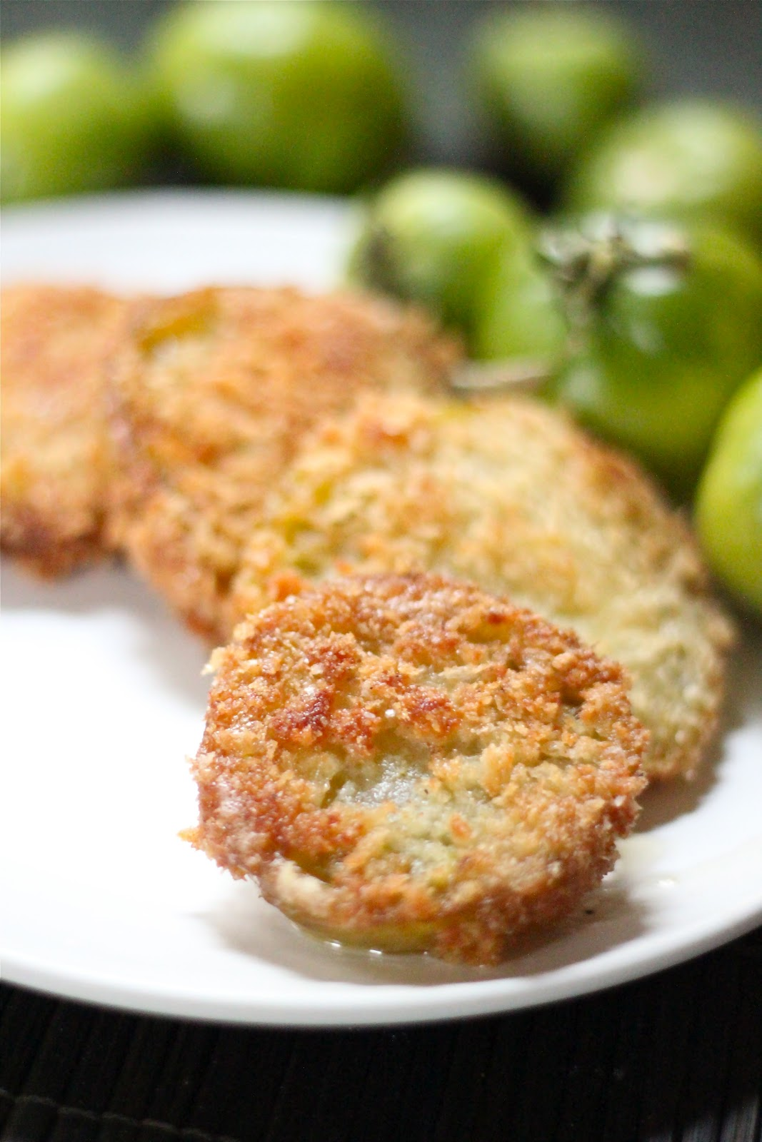an analysis of fried green tomatoes Bates) is comforted by ninny (jessica tandy) in the film fried green tomatoes   woodward offers a powerful analysis of the reasons why those who long to.