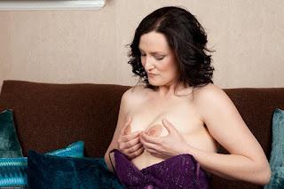 性感的成人图片 - sexygirl-emi030NAT_280593031-762259.jpg
