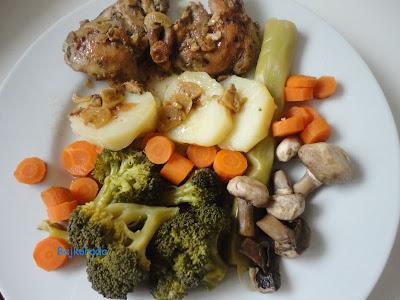 Kurczak po myśliwsku z warzywami na parze