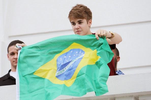 Justin+Bieber+Justin+Bieber+Sings+Balcon