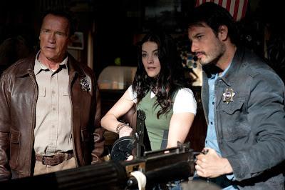 Arnold Schwarzenegger, Jamie Alexander, and Rodrigo Santoro in The Last Stand