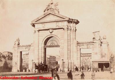 Puerta+de+San+Vicente+1890.jpg