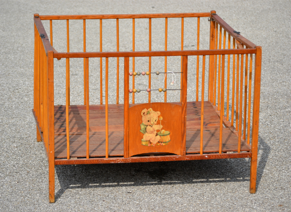 Old Fashioned Playpens For Babies