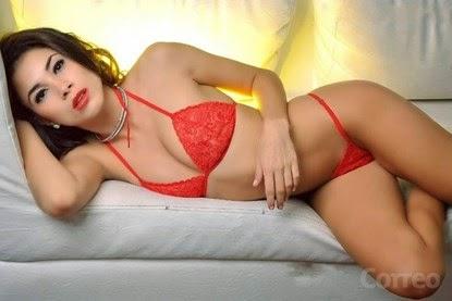Fan nữ sexy mời gọi Messi