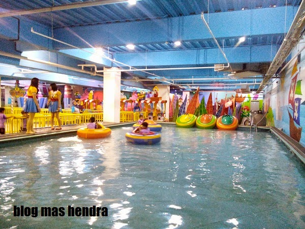 kolam renang khusus untuk anak-anak