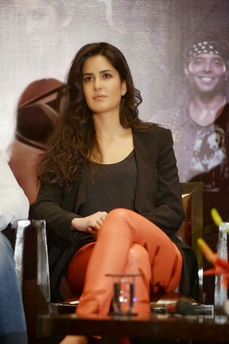 Katrina kaif at dhoom 3 press meet pics