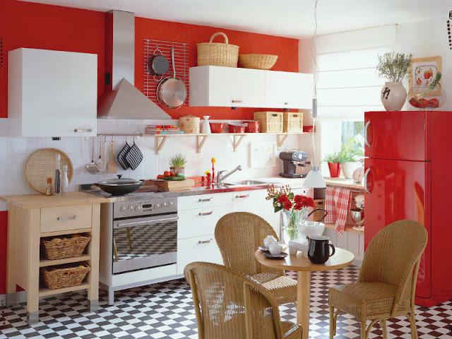 cozinha com decoração vermelha