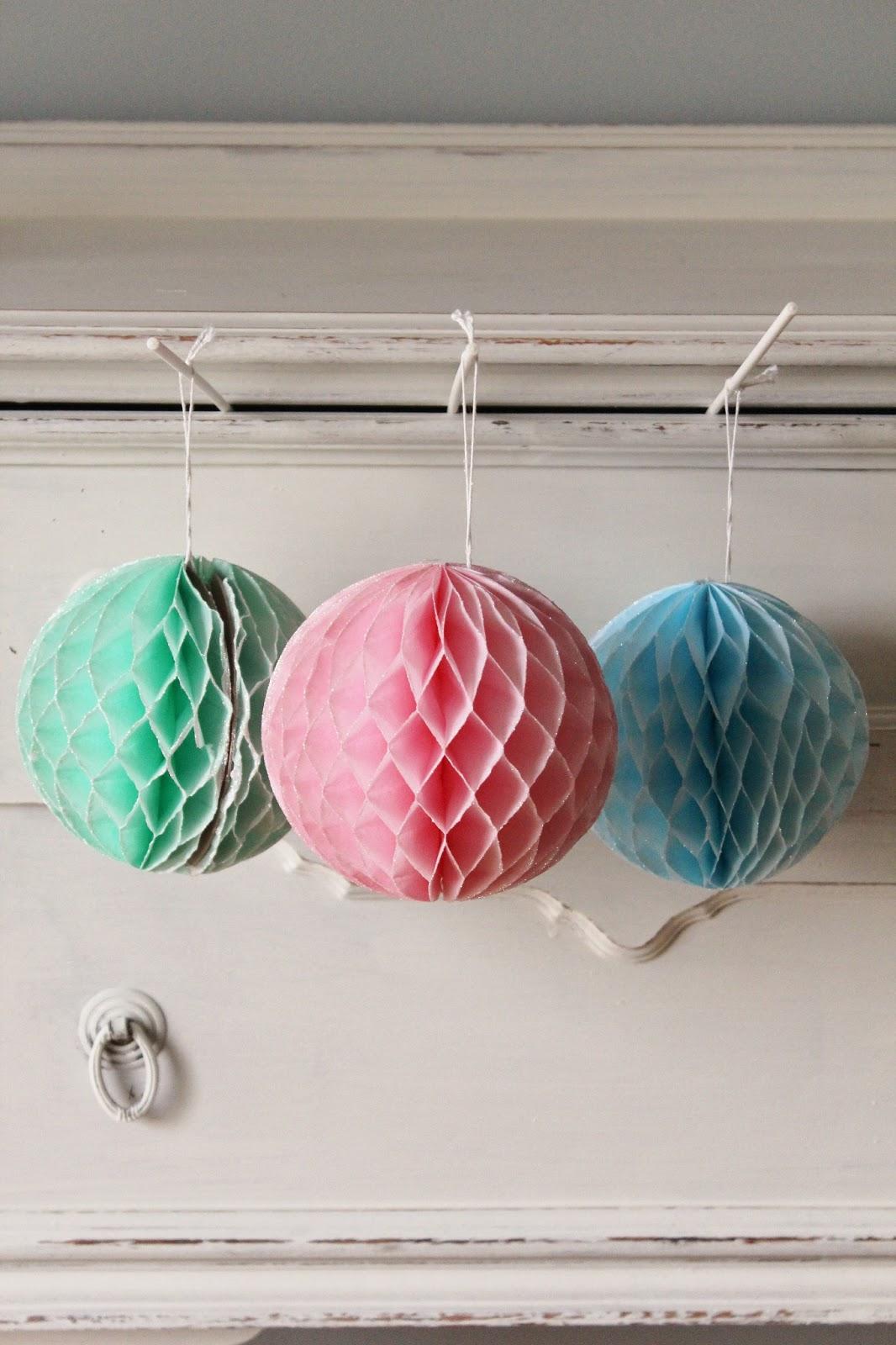 Bolas de papel nido de abeja para decorar