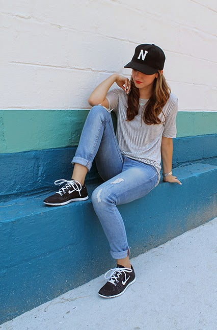 black and white nikes, nike free, juicy couture jeans, distressed jeans, boyfriend jeans, whetherly tshirt, striped tshirt, imogene and willie, nashville hat
