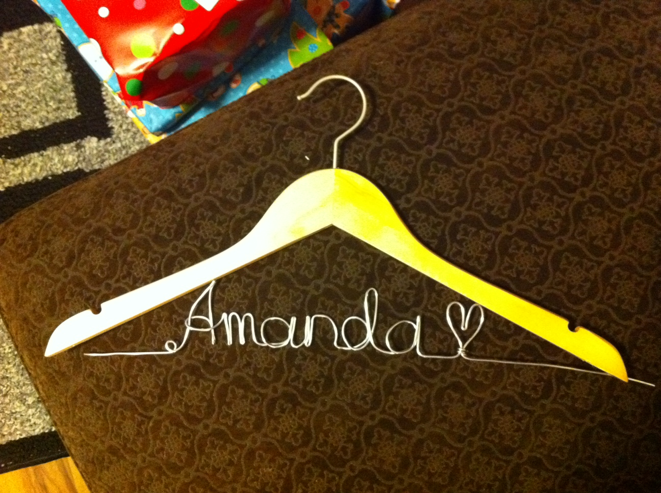 Happily ever after september 29 2012 diy bridal wire hangers happily ever after september 29 2012 solutioingenieria Images