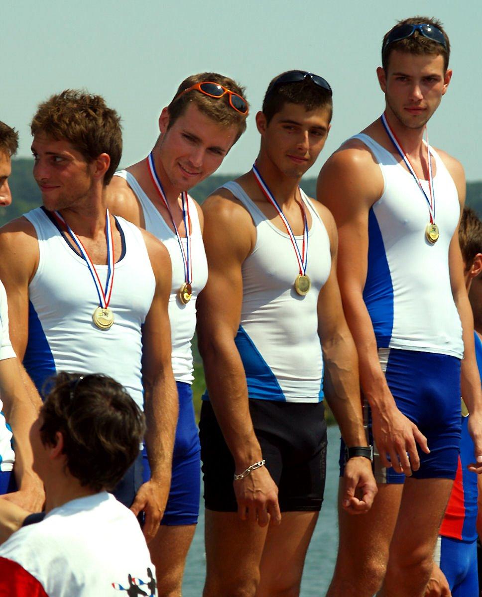 Спортивные гей парни фото