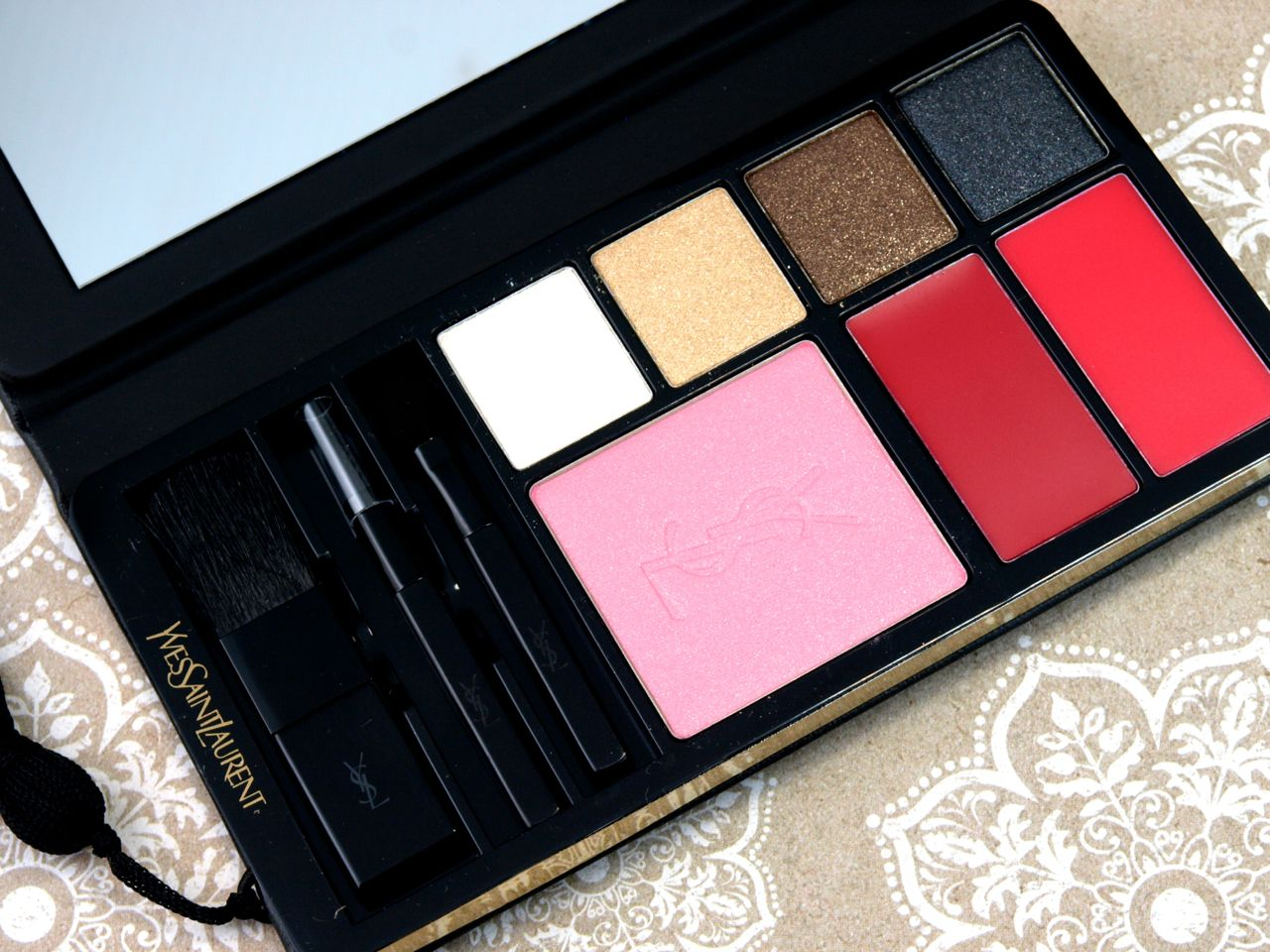 Yves Saint Laurent YSL Holiday 2014 Wildly Gold Complete Makeup Palette: Review and Swatches